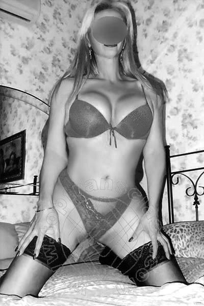 Elisabetta Gucci  NAPOLI 3404731253