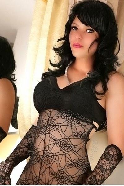 Selina Handrickson  VOGHERA 3512104759