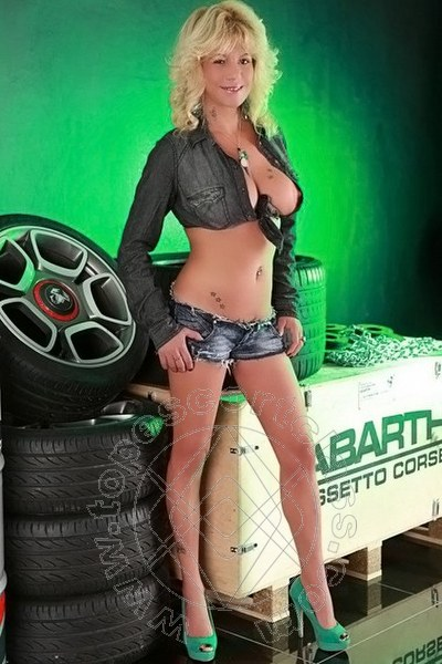 Marylin Blond  CAMPOBASSO 3807432801